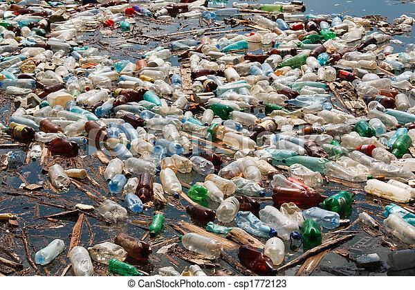 Pollution des bouteilles plastiques